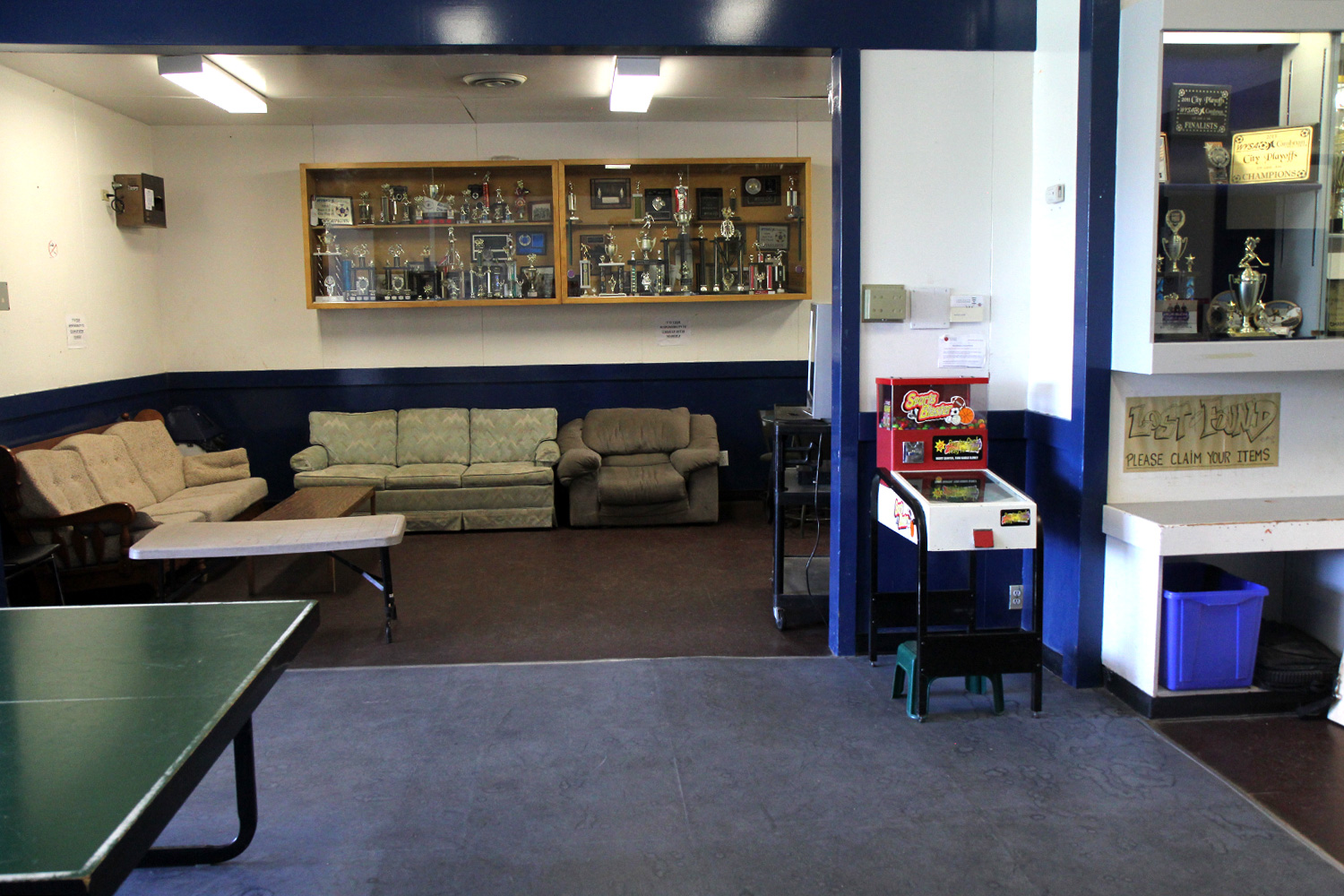 lounge-area-ping-pong