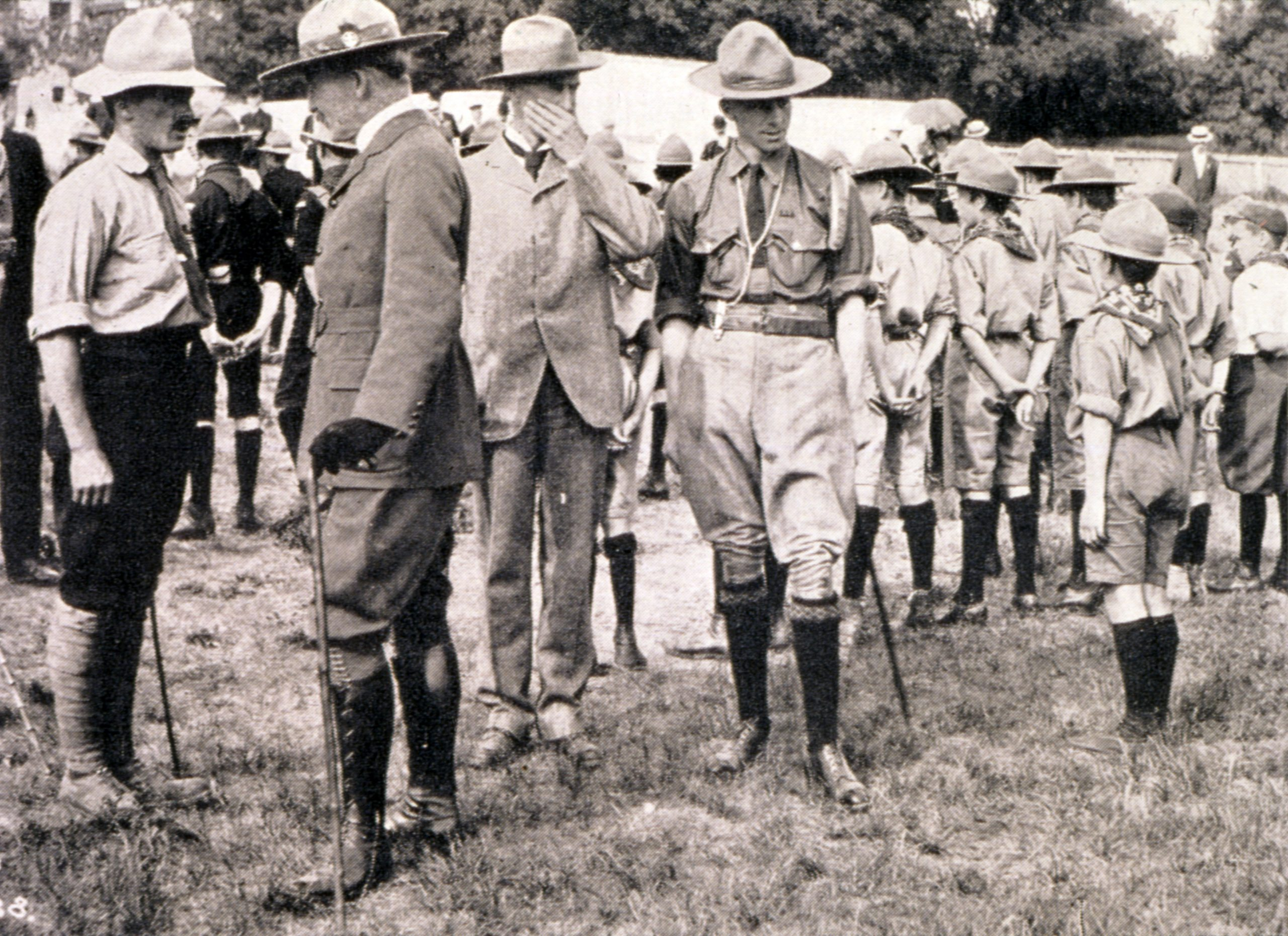 Lord Baden Powell inspects Boy Scouts